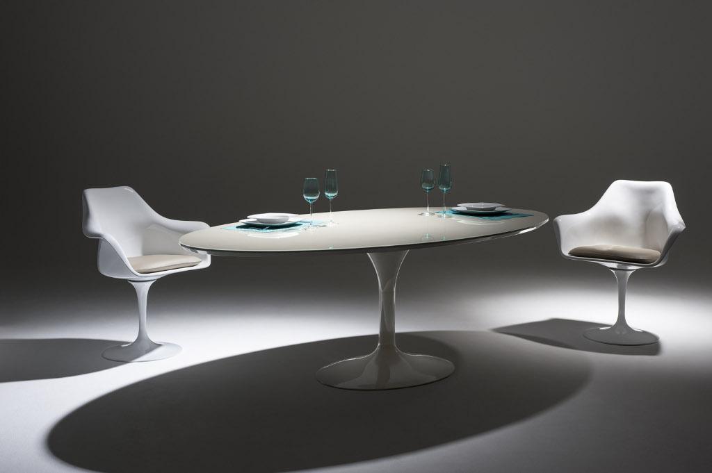 Mesa J. Saarinen – CAdeira Saarinen com braços 1_